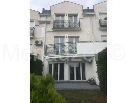 Kuća u nizu, Izdavanje, Savski Venac (Beograd), Savski Venac